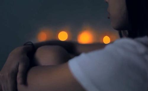 如何挽留女朋友不分手的方法,还能挽回的征兆,一句话挽回她的心!