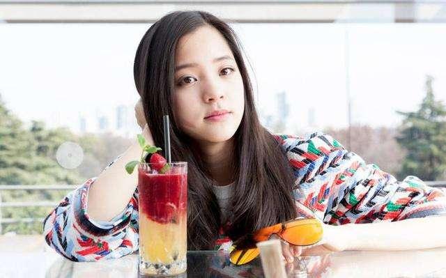 王源微博公布恋情女朋友是欧阳娜娜?欧阳娜娜家世为什么那么有钱