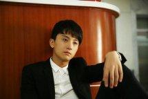 牛骏峰为什么不火是谁旗下艺人?牛骏峰家庭背景真正的女朋友是谁