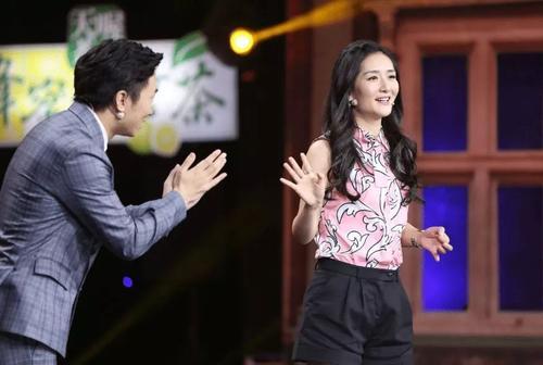 杨迪是哪个公司艺人和导演是同学什么梗?杨迪和吴彤是大学同学吗
